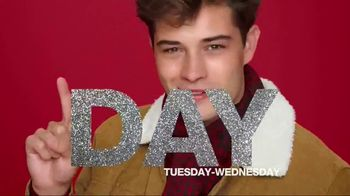 Macy's One Day Sale TV Spot, 'Deals of the Day: Designer Styles' - Thumbnail 2