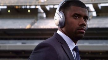 Bose TV Spot, 'Dialed In: Julio Jones' - Thumbnail 3