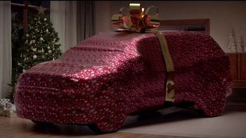 2017 Buick Enclave TV Spot, 'Get Wrapped Up in the Holidays'