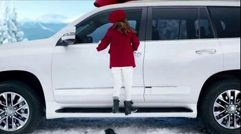 Lexus December to Remember Sales Event TV Spot, 'Whispers' [T1] - Thumbnail 3