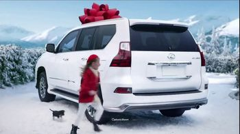 Lexus December to Remember Sales Event TV Spot, 'Whispers' [T1] - Thumbnail 4