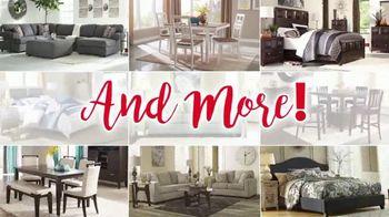 Ashley HomeStore Holiday Savings TV Spot, 'Look What They're Saying' - Thumbnail 4