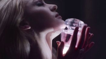 Versace Bright Crystal TV Spot, 'Show Me: Gift Set' Feat. Candice Swanepoel - Thumbnail 5