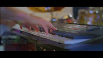 Guitar Center TV Spot, 'Keyboards and Loudspeaker' - Thumbnail 5