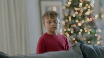 Kay Jewelers TV Spot, 'Holiday Tackle' - Thumbnail 7