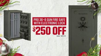 Dick's Sporting Goods Hot Holiday Deals TV Spot, 'Yeti, Gun Safes & Shoes' - Thumbnail 5