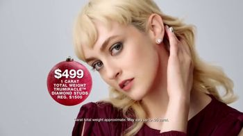 Macy's TV Spot, 'Hundreds of Gift Specials' - Thumbnail 8