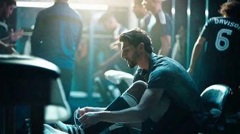 Modelo TV Spot, 'Luchando por el juego bonito' con Omar Gonzalez [Spanish]