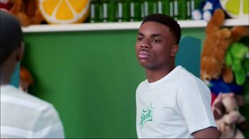 Sprite TV Spot, 'Vince Staples and Random Teenagers in a Summer Sprite Ad' - Thumbnail 5