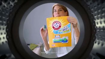Arm and Hammer Plus OxiClean TV Spot, 'Life's Cycles' - Thumbnail 7