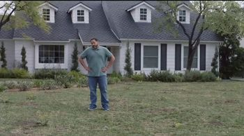 Lowe's Go Fourth Holiday Savings Event TV Spot, 'Growing Like Weeds: Mulch' - Thumbnail 1
