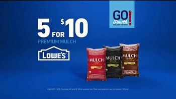 Lowe's Go Fourth Holiday Savings Event TV Spot, 'Growing Like Weeds: Mulch' - Thumbnail 6