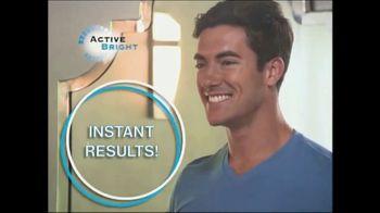 Active Bright TV Spot, 'Coconut Charcoal' - Thumbnail 6