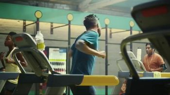 Vitaminwater TV Spot, 'Drink Outside the Lines' Featuring Aaron Paul - Thumbnail 4