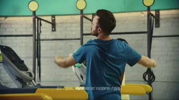Vitaminwater TV Spot, 'Drink Outside the Lines' Featuring Aaron Paul - Thumbnail 7
