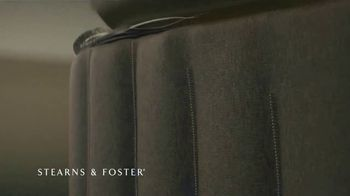 Stearns & Foster July 4th Mattress Savings Event TV Spot, 'Stitching' - Thumbnail 3