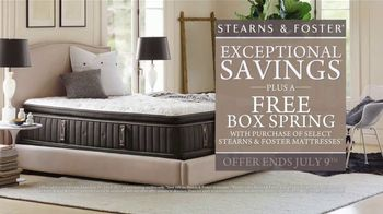 Stearns & Foster July 4th Mattress Savings Event TV Spot, 'Stitching' - Thumbnail 7