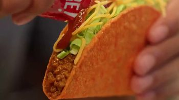 Taco Bell $5 Double Chalupa Box TV Spot, 'Aun mejor' [Spanish] - Thumbnail 4