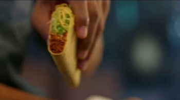 Taco Bell $5 Double Chalupa Box TV Spot, 'Even Better' - Thumbnail 5