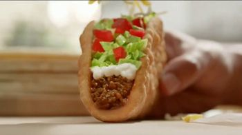 Taco Bell Double Chalupa TV Spot, 'Eclipse' - Thumbnail 1
