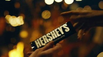 Hershey's Milk Chocolate TV Spot, 'S'mores Around the Bonfire' - Thumbnail 4
