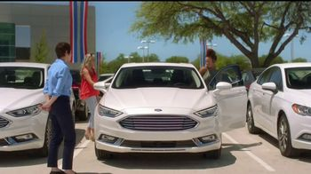 Ford Gran Venta de Verano TV Spot, 'Fuegos artificiales' [Spanish] [T2] - Thumbnail 6