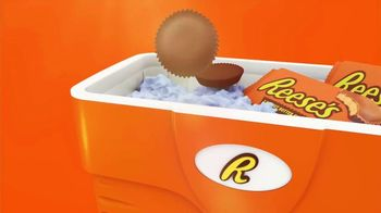 Reese's Peanut Butter Cups TV Spot, 'Hot Ground' - Thumbnail 6
