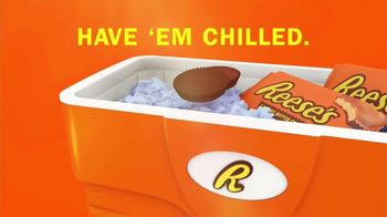 Reese's Peanut Butter Cups TV Spot, 'Hot Ground' - Thumbnail 7