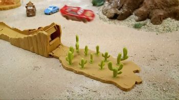 Disney Pixar Cars 3 Willy's Butte Transforming Track Set TV Spot, 'Loop' - Thumbnail 3