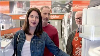 The Home Depot Red, White & Blue Savings TV Spot, 'Samsung Kitchen Suite' - Thumbnail 5