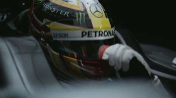 Bose SoundTouch 300 TV Spot, 'Sound That Moves You' Feat. Lewis Hamilton - Thumbnail 5