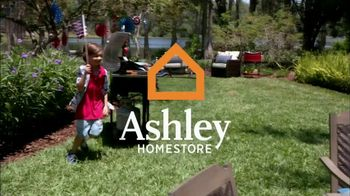 Ashley HomeStore Stars & Stripes Sale TV Spot, 'Sofa and Sleigh Bedroom' - Thumbnail 1