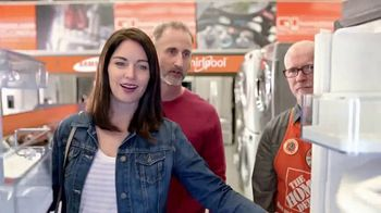The Home Depot Ahorros Red, White & Blue TV Spot, 'Inoxidable' [Spanish] - Thumbnail 4