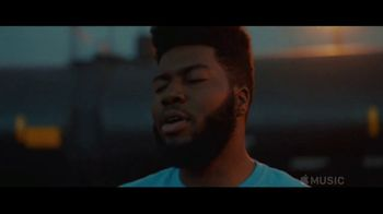 Apple Music TV Spot, 'Discover Khalid' - Thumbnail 5