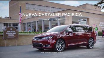 Chrysler Maneja y Descubre TV Spot, 'Hero' [Spanish] [T2] - Thumbnail 7
