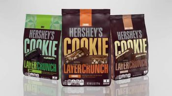 Hershey's Cookie Layer Crunch TV Spot, 'WE tv: Present Perfection' - Thumbnail 5