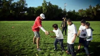 NFL Man of the Year TV Spot, 'Making a Difference' - Thumbnail 4