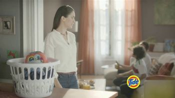 Tide PODS Plus Downy TV Spot, 'De tal palo tal astilla' [Spanish] - Thumbnail 1