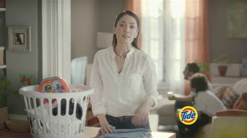 Tide PODS Plus Downy TV Spot, 'De tal palo tal astilla' [Spanish] - Thumbnail 3