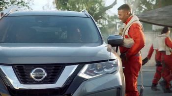 2018 Nissan Rogue TV Spot, 'Star Wars: The Last Jedi: Droid' Ft.  Kal Penn