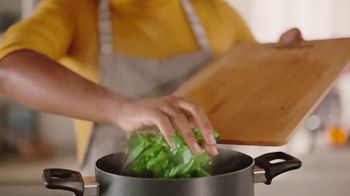 Walmart TV Spot, 'Nail This Year's Christmas Meal' Song by Carl Carlton - Thumbnail 5