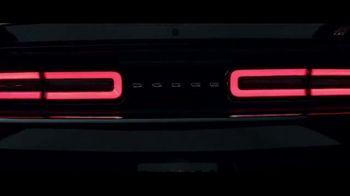 Dodge Big Finish 2017 TV Spot, 'Brotherhood of Muscle: Smash the Lock' - Thumbnail 5