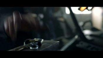 Dodge Big Finish TV Spot, 'Brotherhood of Muscle: Smash the Lock' [T2] - Thumbnail 3