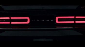 Dodge Big Finish TV Spot, 'Brotherhood of Muscle: Smash the Lock' [T2] - Thumbnail 5