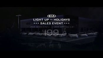 Kia Light Up the Holidays Sales Event TV Spot, 'Light Show' - Thumbnail 5