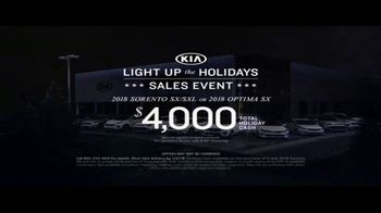 Kia Light Up the Holidays Sales Event TV Spot, 'Light Show' - Thumbnail 8