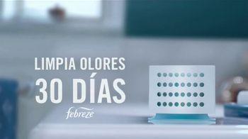 Febreze Air Effects TV Spot, 'El baño secreto' [Spanish] - Thumbnail 8