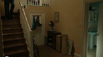 Febreze Air Effects TV Spot, 'El baño secreto' [Spanish] - Thumbnail 1