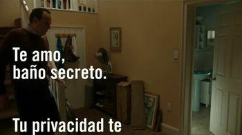 Febreze Air Effects TV Spot, 'El baño secreto' [Spanish]