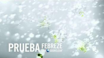 Febreze Air Effects TV Spot, 'El baño secreto' [Spanish] - Thumbnail 6